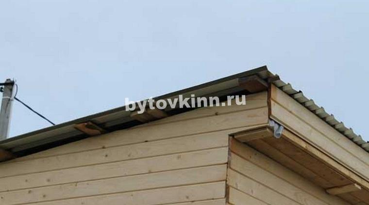 Крыша деревянной бытовки